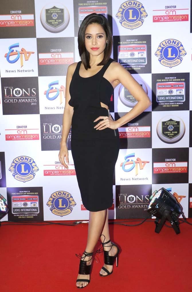 Bollywood Actress Nushrat Bharucha Cutes Pics