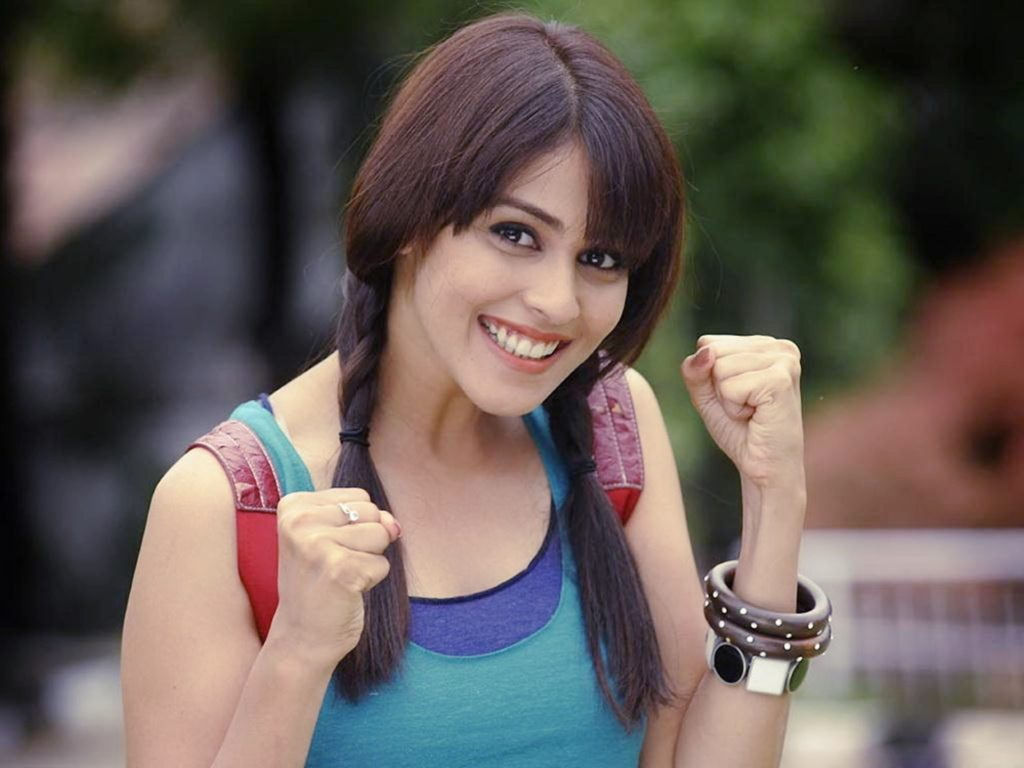Genelia D'Souza Latest Hair Style Wallpapers