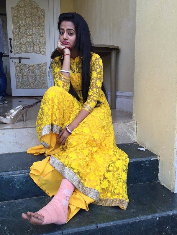 Helly Shah Cute & Sweet Wallpapers