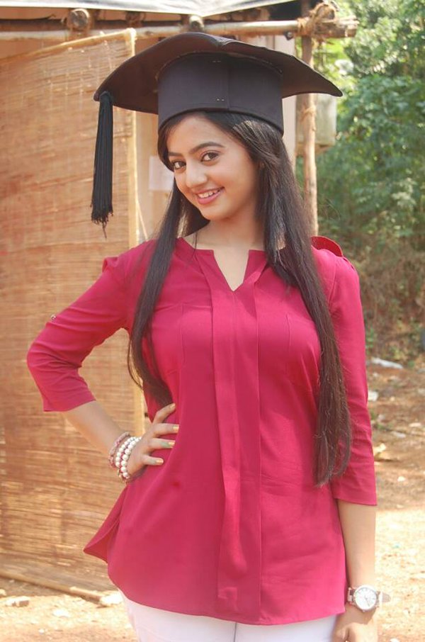 Helly Shah Hot Boobs HD Wallpapers