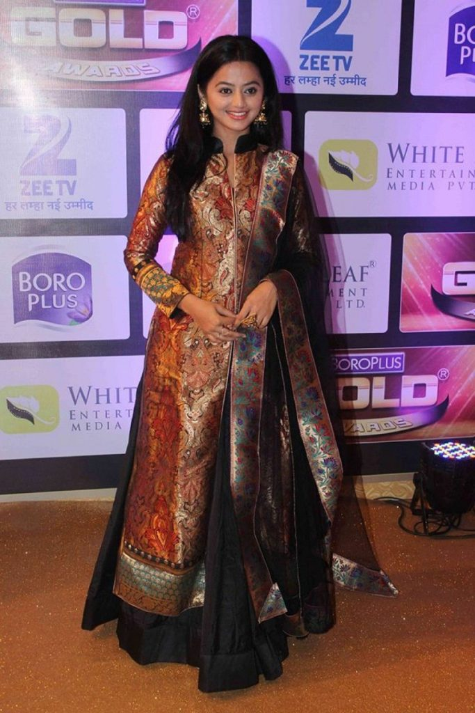 Helly Shah Hot Looking Images At Awards Show HD