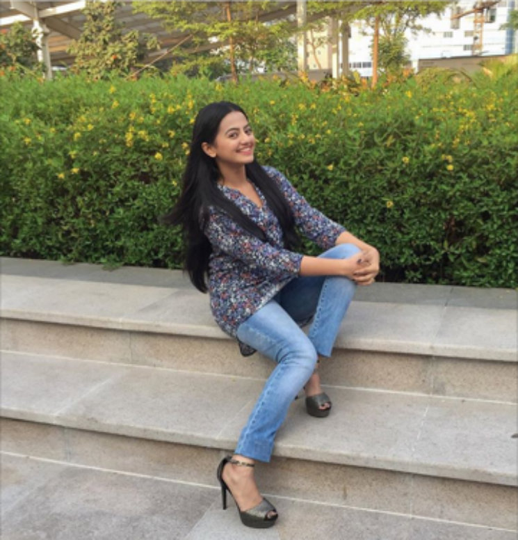Helly Shah Hot Pics In Jeans Top