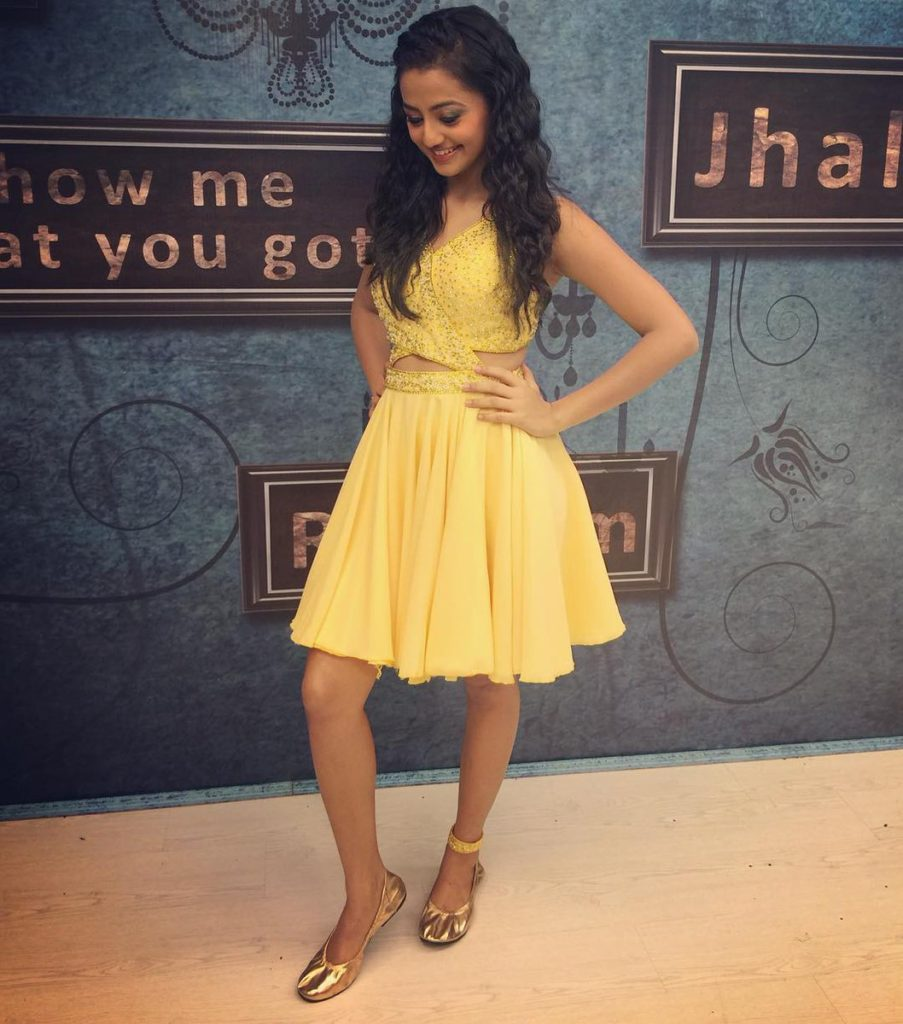 Helly Shah Hot & Sexy Legs Images