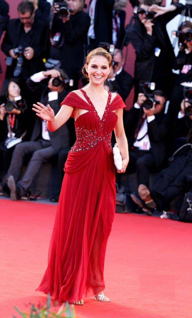 Hollywood Actress Natalie Portman Hot Images Photos