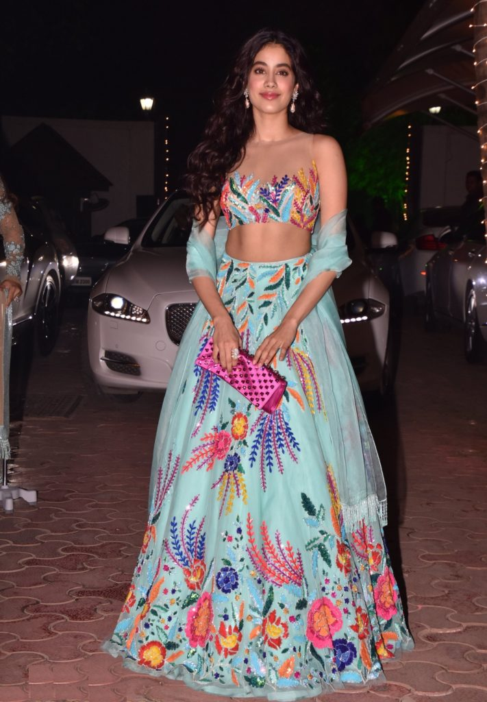 Jhanvi Kapoor Hot Boobs Images In Gagra Choli