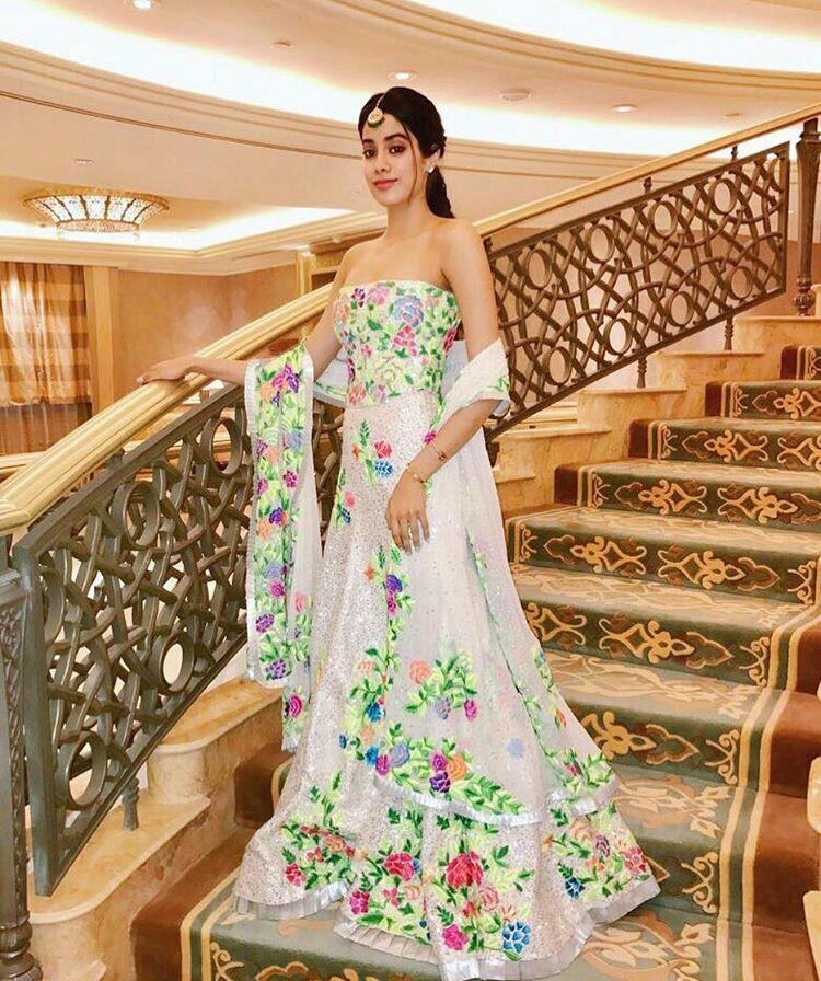 Jhanvi Kapoor Lovely Photoshoots