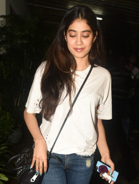 Jhanvi Kapoor New Look Wallpapers