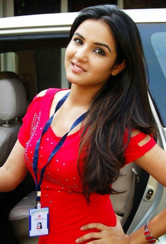 Jasmin Bhasin Hot