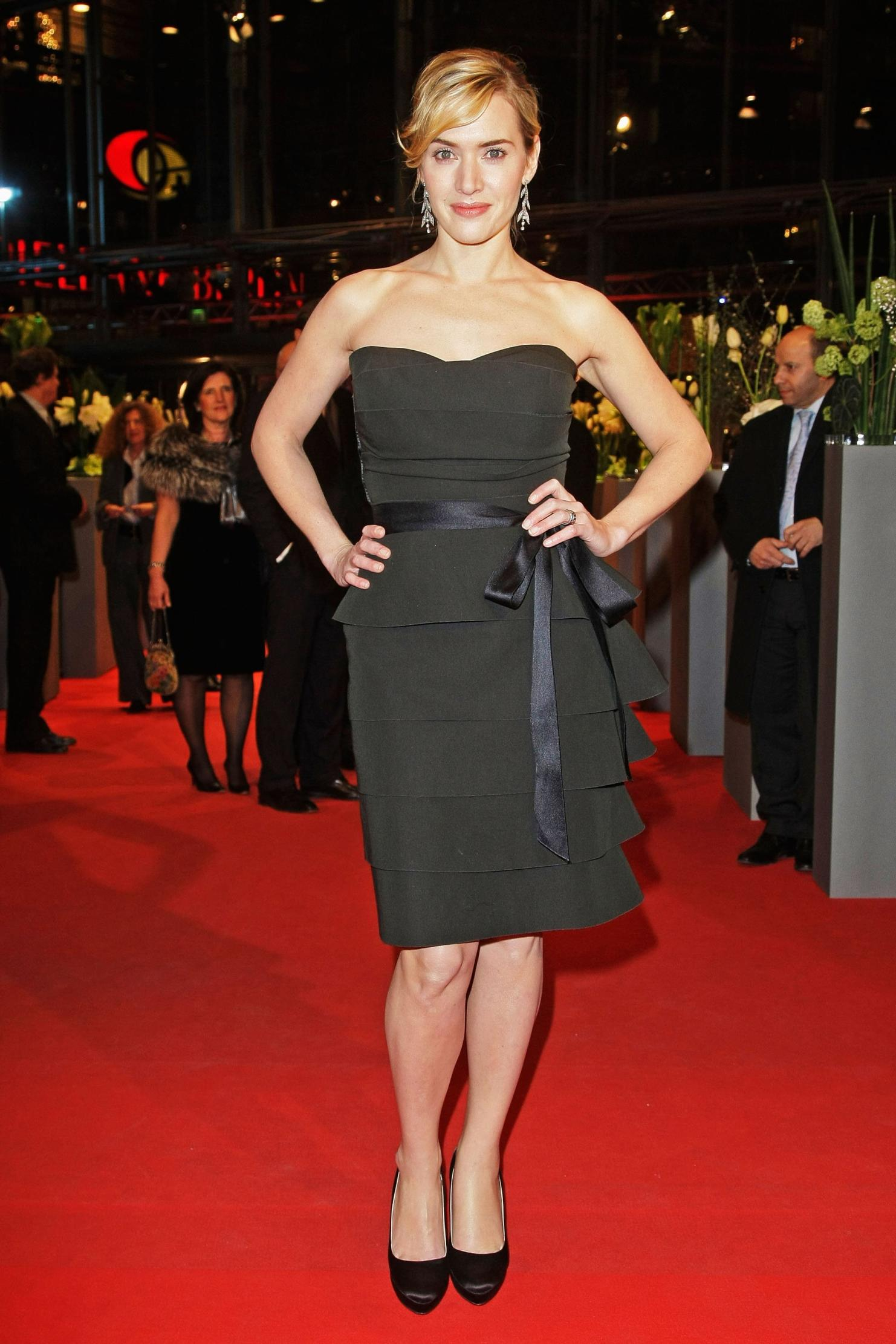 Kate Winslet Biography >> 30+ Kate Winslet Hot & Sexy In Bikini Pictures & Photos