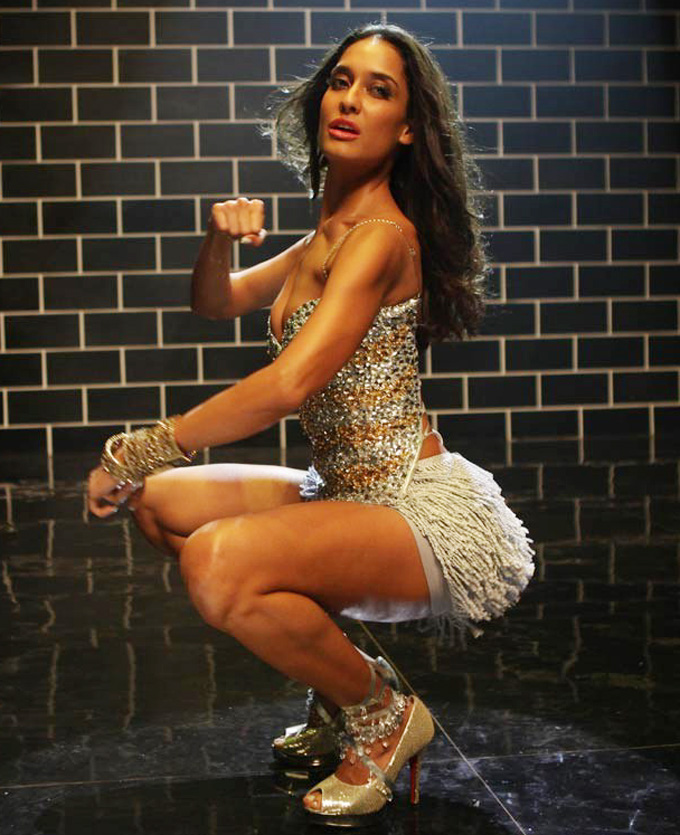 Lisa Haydon Hot Looking Pictures