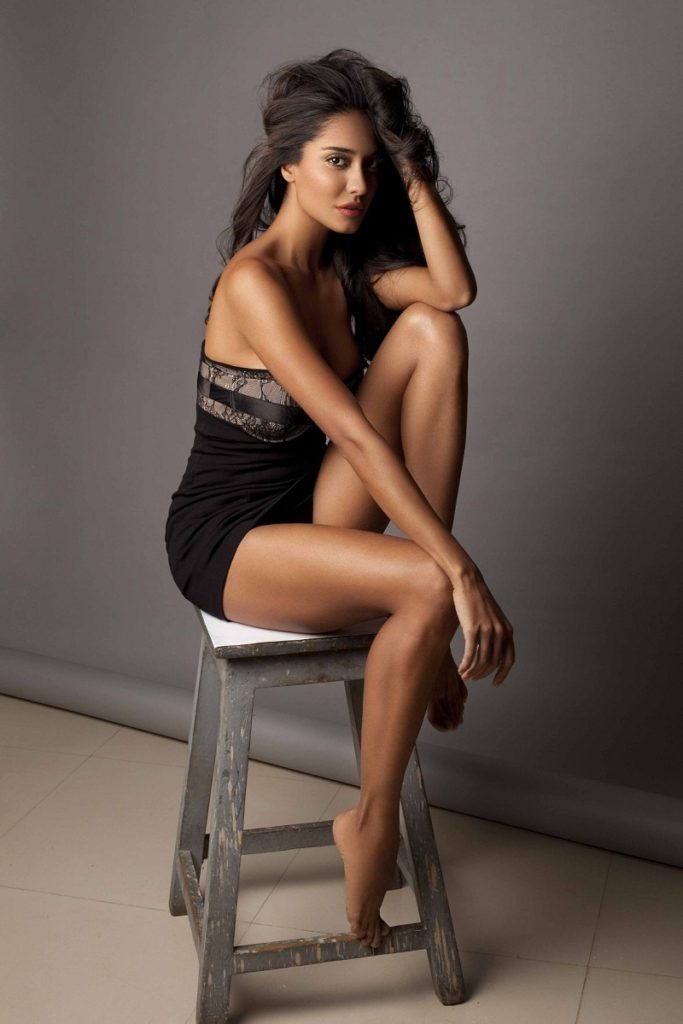 Lisa Haydon Hot Photos In Backside