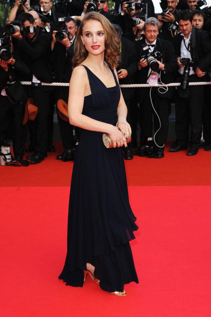 Natalie Portman Hot Look In Short Cloths