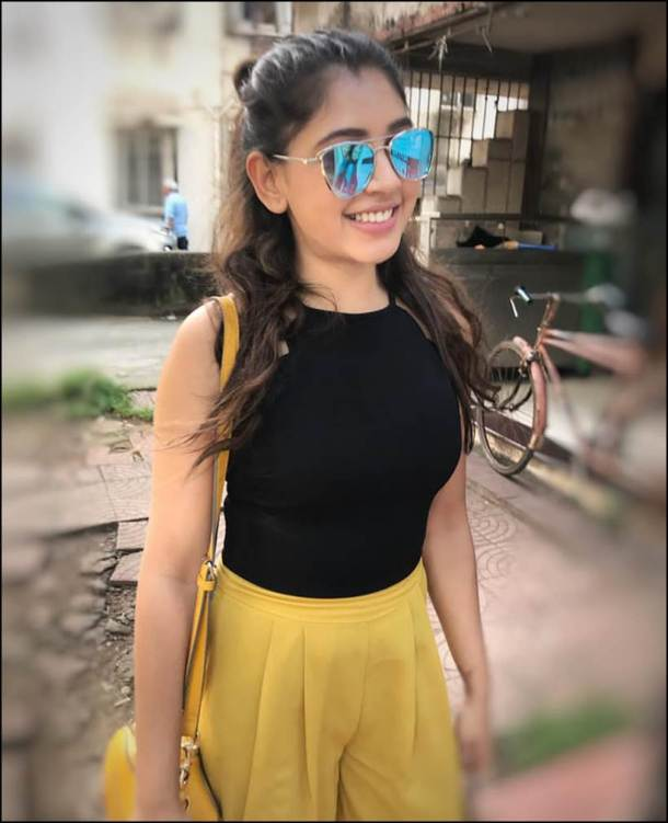 Niti Taylor Hot Images Free Download