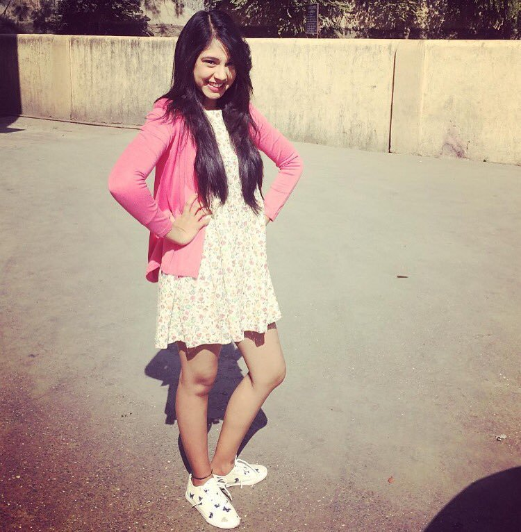 Niti Taylor Hot Images HD