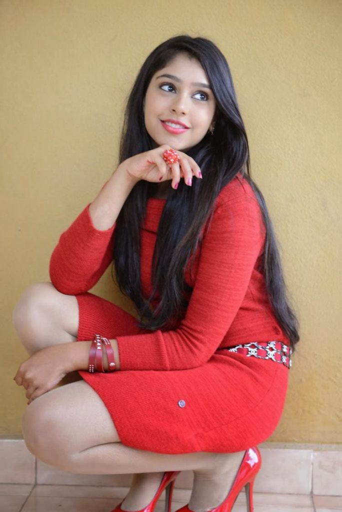 Niti Taylor In Red Cloths HD