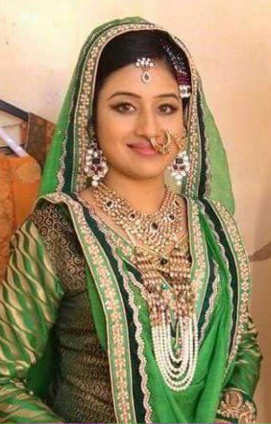 Paridhi Sharma Cute & Spicy Photos