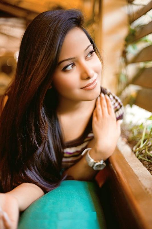 Preetika Rao Beautiful Smile Images