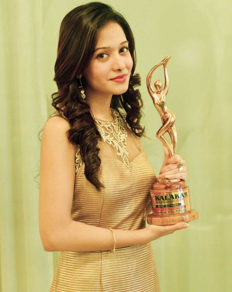 Preetika Rao With Award Sexy Pics