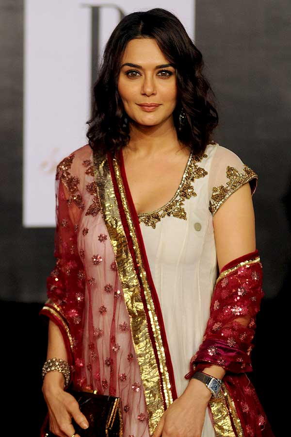 Preity Zinta Cute Pose Images