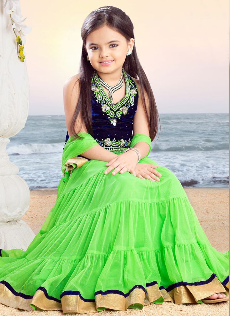 Ruhanika Dhawan In Green Cloths HD