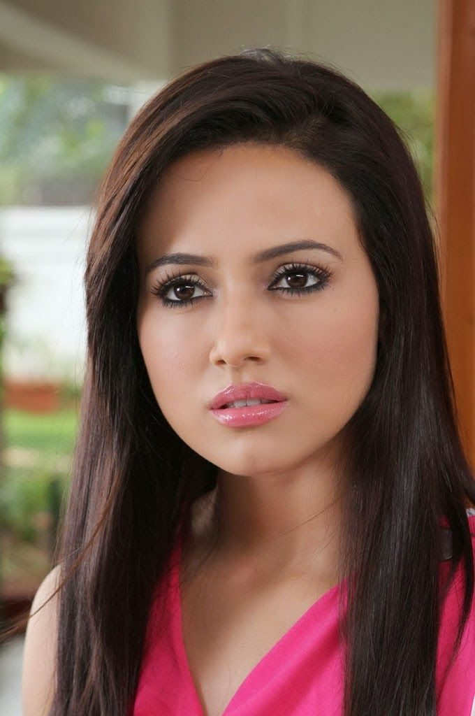Sana Khan Beautiful Pics