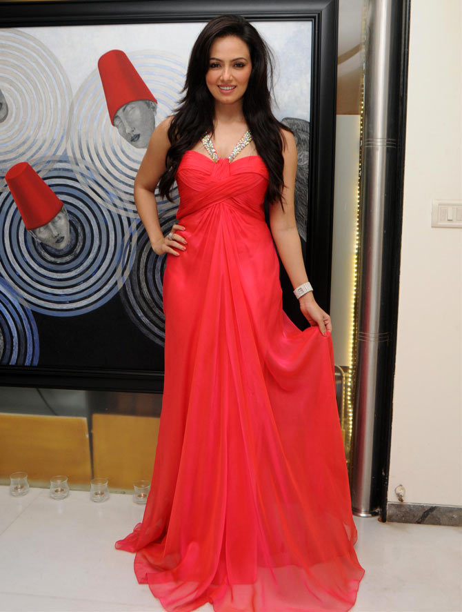Sana Khan Hot Look In Gown