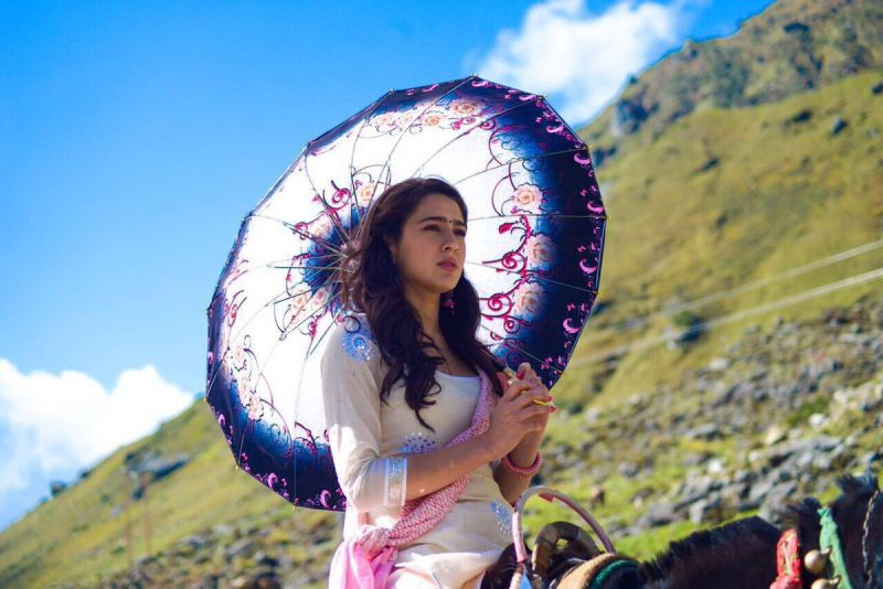 Sara Ali Khan Attractive Images