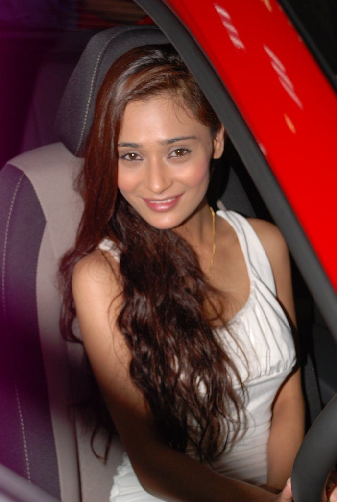 Sara Khan HD Sexy Images
