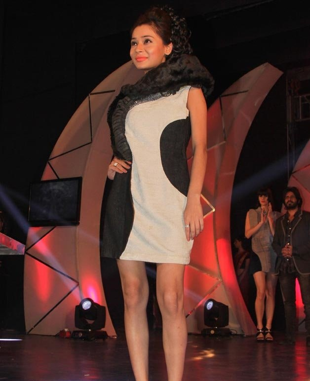 Sara Khan In Bra Panty Pics