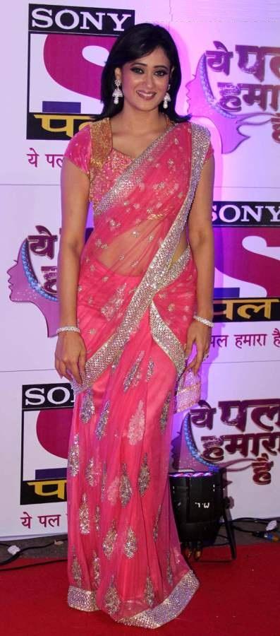 Shweta Tiwari Hot Images In Saree