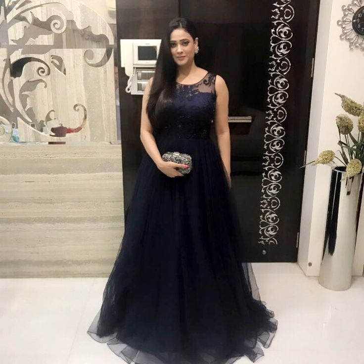 Shweta Tiwari In Beautiful Gown HD Pics