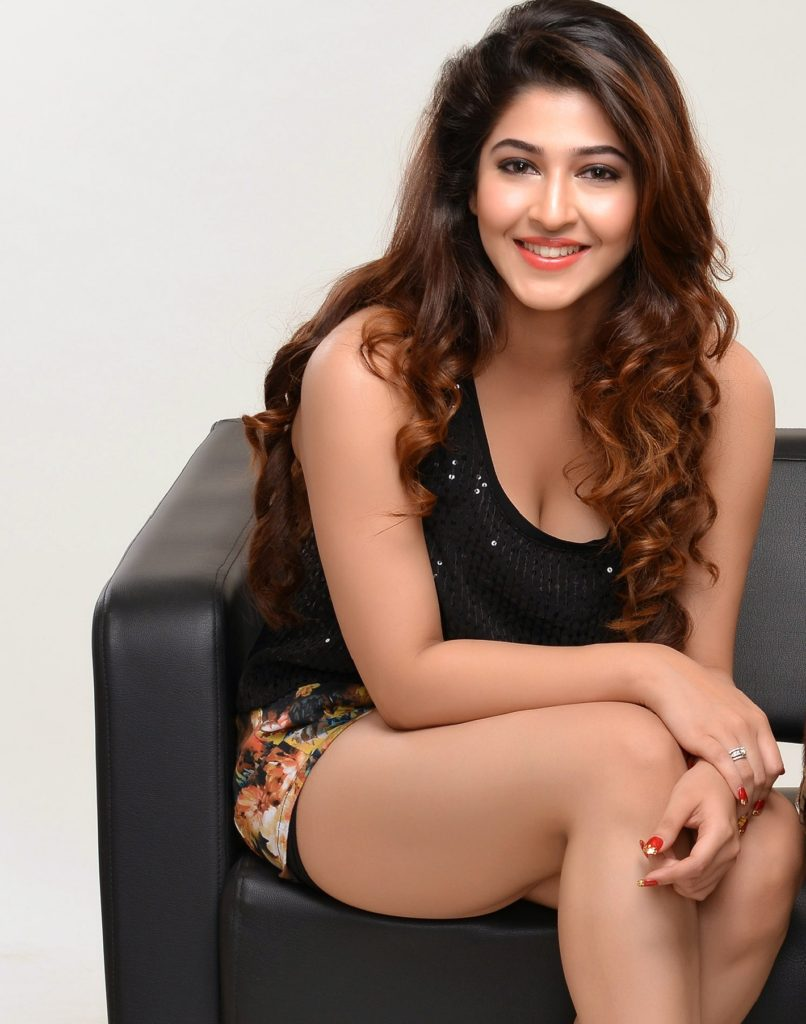 Sonarika Bhadoria Hot Boobs Showing Pictures & Sexy Legs