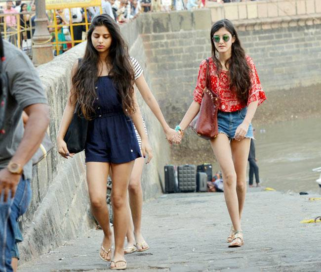 Suhana Khan Sexy Legs Showing Images