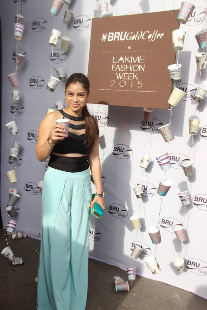 Sumona Chakravarti Hot HD Photoshoot Download