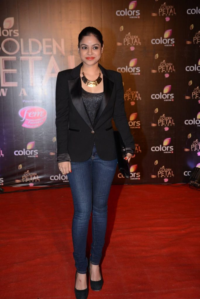 Sumona Chakravarti New Look Images