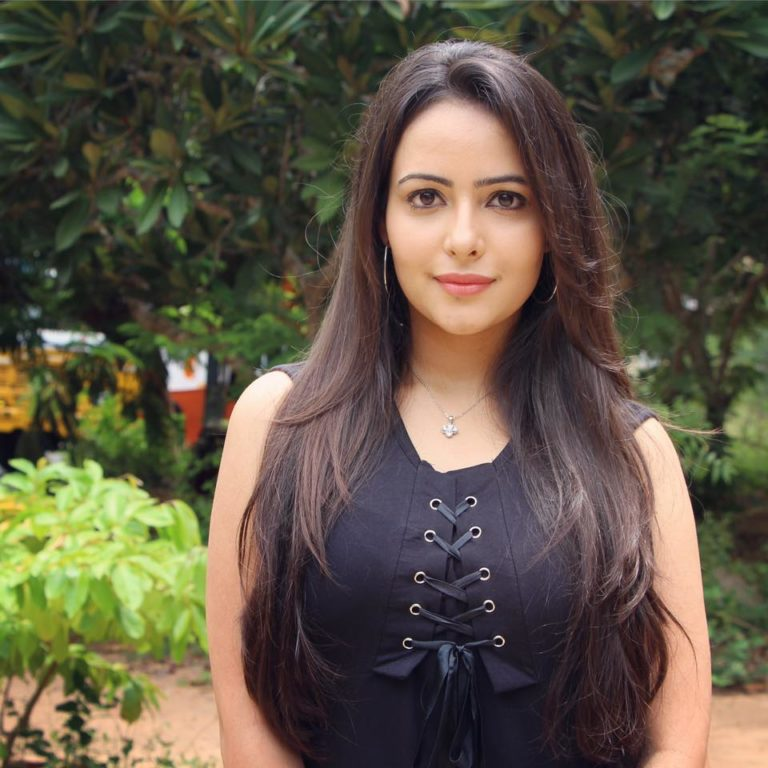 Aanchal Munjal Sizzling Wallpapers