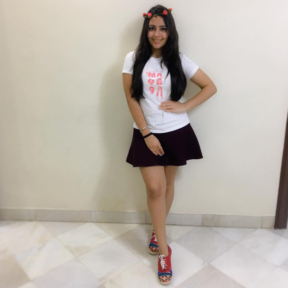 Aanchal Munjal Spicy Images In Short Dress