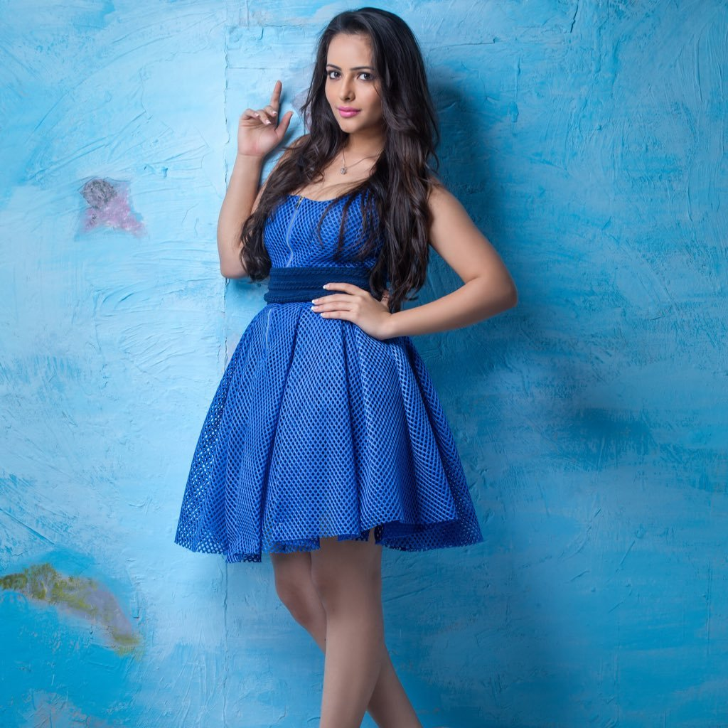 Aanchal Munjal Sweet Wallpapers