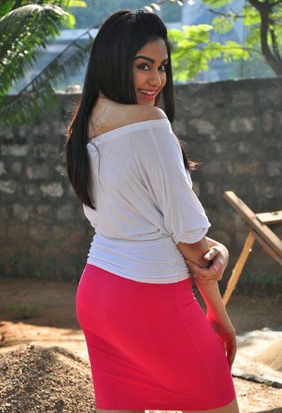 Adah Sharma Hot Pics In Backside HD Pose