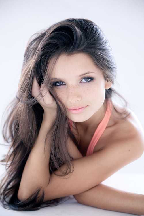 Alice Greczyn Very Hot Looking Images