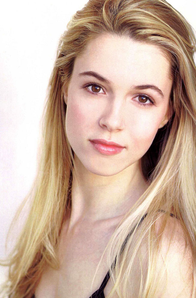 Alona Tal Latest New Hair Style Pictures