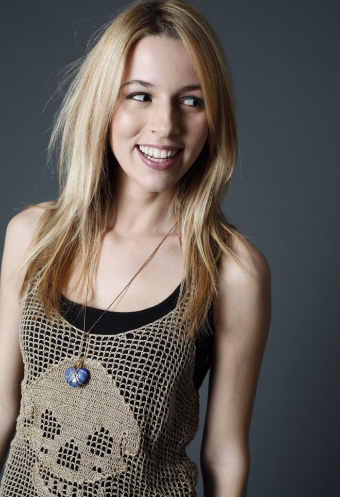 Alona Tal Spicy Look Pics