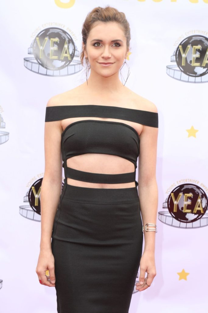 Alyson Stoner Very Spicy Navel Wallpapers HD