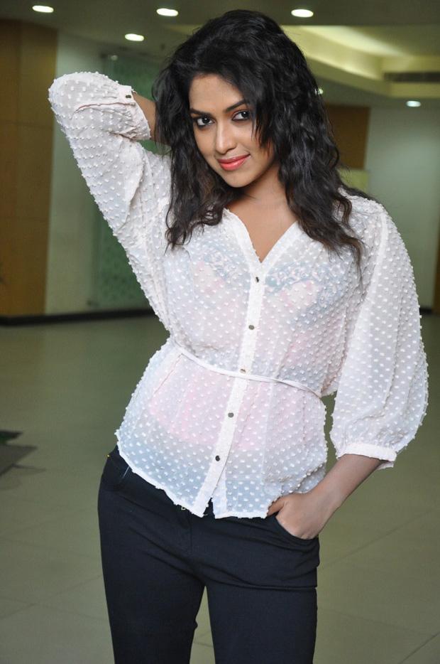 Amala Paul Hot Looking Pics