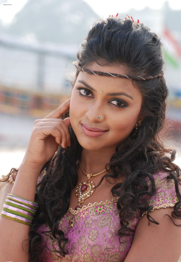 Amala Paul In Saree Pics