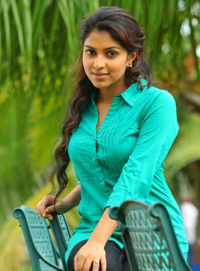 Amala Paul Latest HD Wallpapers