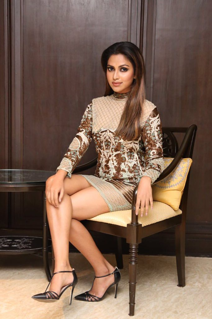 Amala Paul Sexy Legs Showing Images