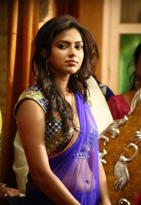 Amala Paul Spicy Navel Images HD