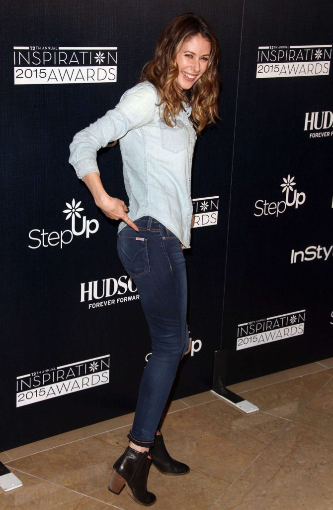 Amanda Crew In Jeans Top Full HQ Pictures