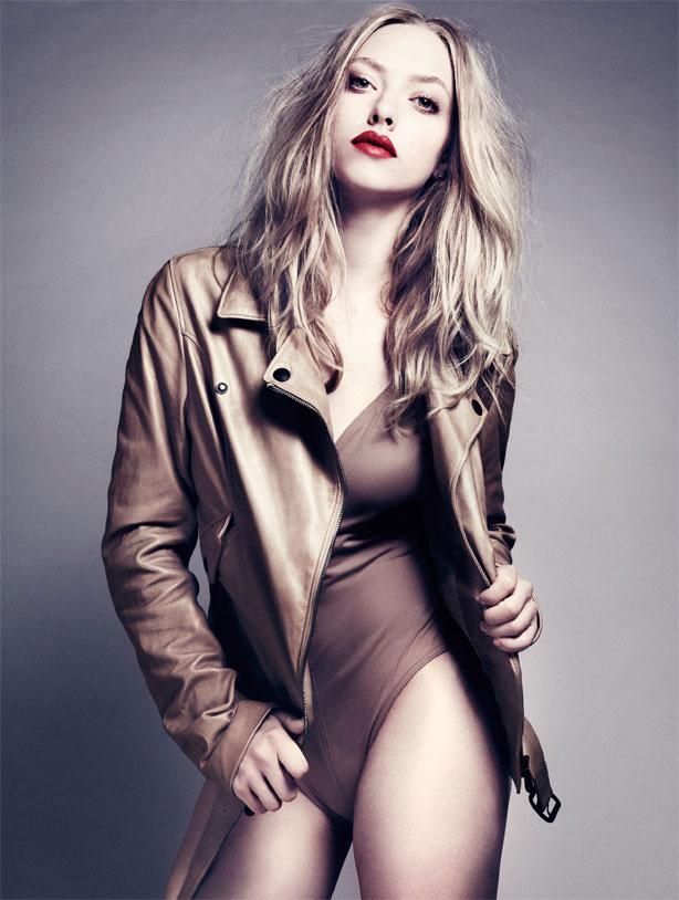 Amanda Seyfried In Bikini HD Pictures